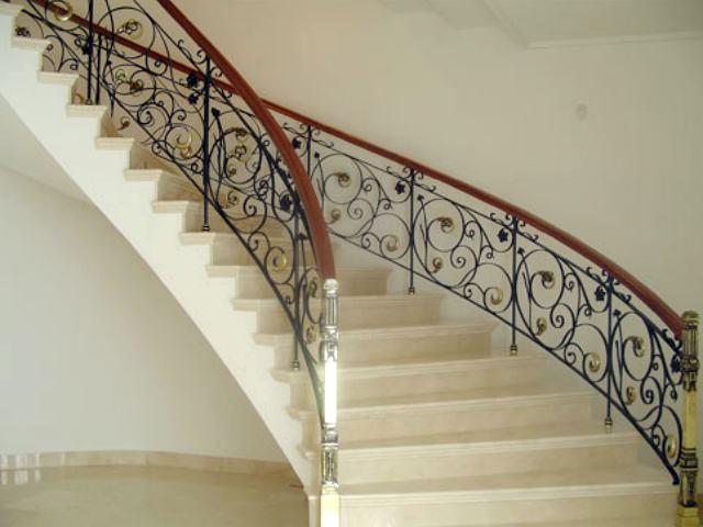 Escaleras de metal escaleras caracol escaleras de hierro - Escaleras semi caracol ...